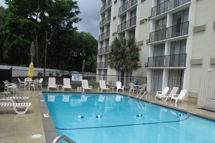 Charleston Grand Hotel North Charleston Sc 3640 Dorchester Rd 29405