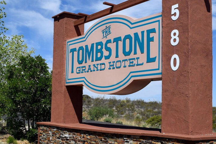 The Tombstone Grand Hotel Tombstone Az 580 West Randolph Way 85638